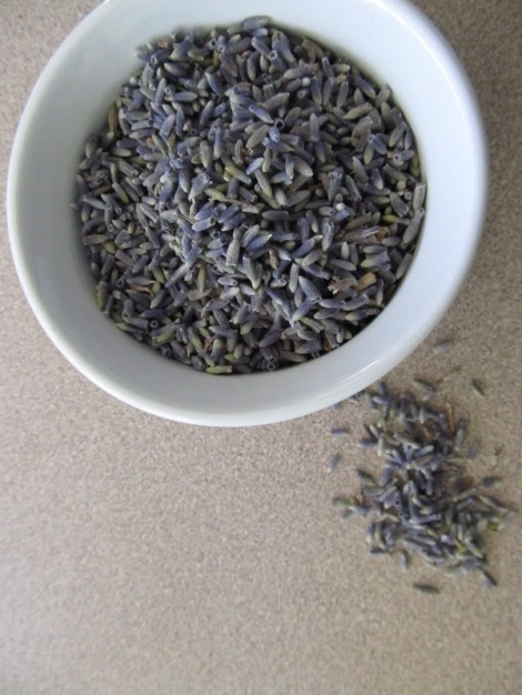 DIY Lavender Bath Salt. For when you have a 5 minutes to create something for yourself!